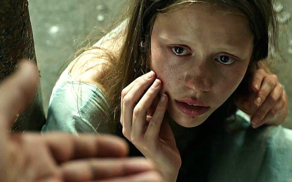 """Mia Goth in """"A Cure for Wellness"""""""
