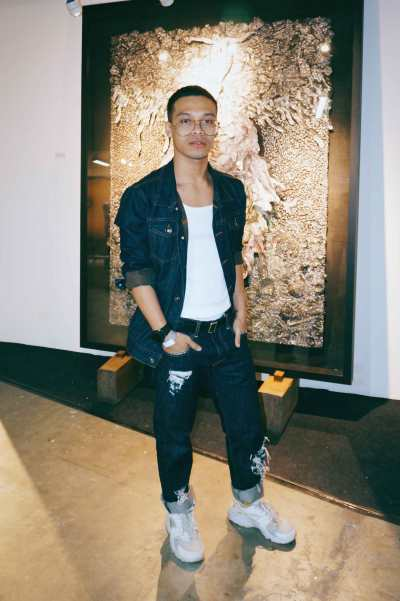 Angelo Ramirez de Cartagena rocks Nike Huaraches and classic Bench denim.