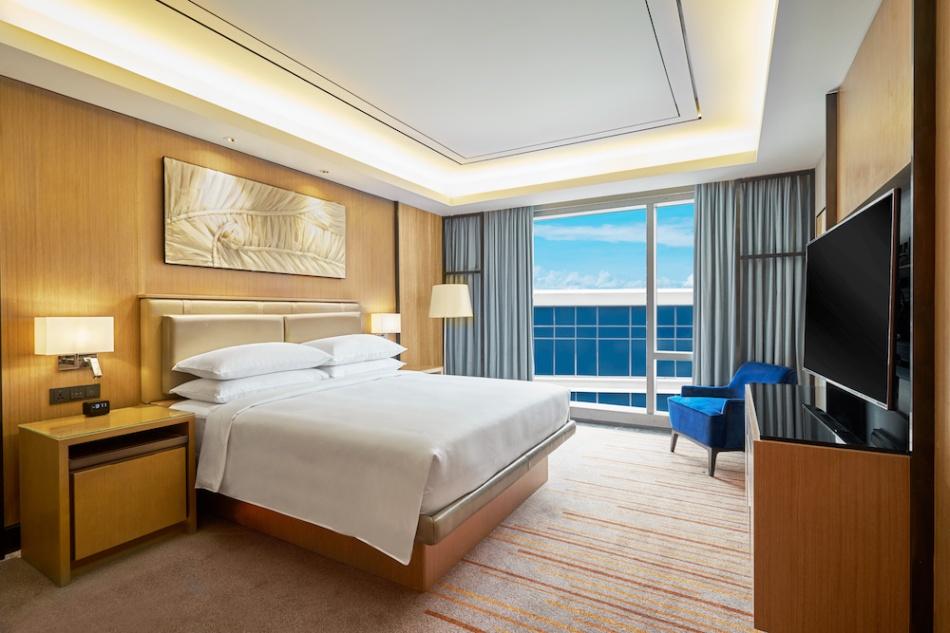 Hilton Manila Suite